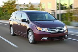 honda odyssey test drive test drive 2011 honda odyssey 5 door touring elite our auto expert
