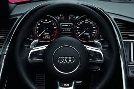 Audi R8 Interior - audi reveals 2013 r8 facelift debuts new 7 speed s tronic and