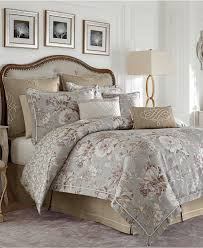 Home Bedding Sets Bedroom Comfortable Bed Design With Decorative And Smooth
