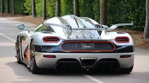 koenigsegg miami a 1360hp koenigsegg one costs ôé 2 5 million watch this video and