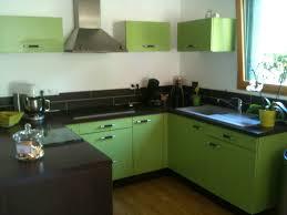 cuisine verte anis cuisine grise avec tabourets bar et meuble vert anis lapeyre gris