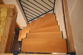 buche treppe aus vierkantrohr farbig lackiert stufen aus buche