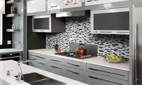 revetement adhesif mural cuisine revetement adhesif carrelage great excellent mur blanc loft facette