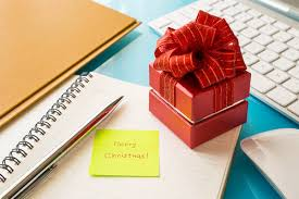 35 easy gift ideas for co workers