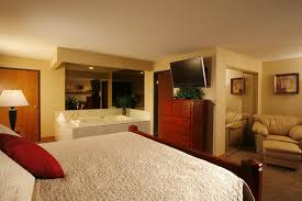 hotel rooms and suites in spokane washington quality inn oakwood