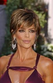 lisa rinna weight off middle section hair wild and glamorous hairstyles inspired by lisa rinna hairstyles