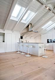 parquet cuisine cuisine forgiarini cuisine bois sur parquet cuisine bois avec