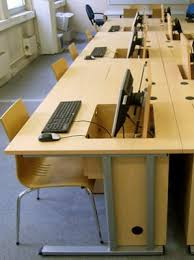 fabricant de mobilier de bureau informatique sur mesure mobilier