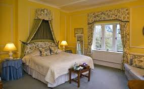 Yellow Curtains For Bedroom Yellow Bedrooms Capitangeneral