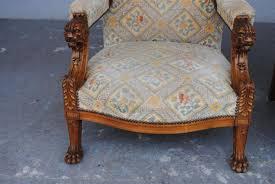 fauteuil ancien style anglais marseilleantiquites paire de fauteuils anglais pieds griffes tête