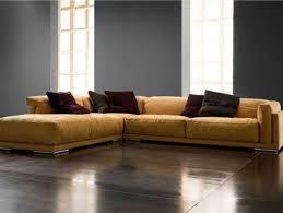 divani in piuma d oca divani in pelle e tessuto angolari di soressi moderni ed eleganti