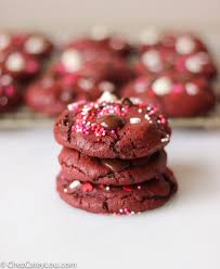 red velvet chocolate chip cookies chez cateylou
