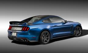 mustange shelby listen to the ford mustang shelby gt350r scream car and