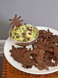 halloween serving bowls creepy crawly chips and swampy guacamole recipe hgtv