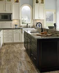 cuisine sol parquet revêtement de sol avec parquet conseils astuces et photos