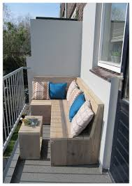 bank balkon op een klein terras minder dan 1m diep kun je een