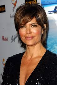lisa rinnas hairdresser rinna sporting a short hairstyle with hair that covers the neck