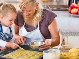 cuisiner avec ses enfants comment cuisiner avec vos enfants par les recettes de titi