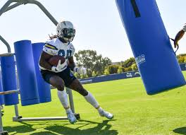 New York Giants Home Decor Bolts Practice And Lock In On Giants Los Angeles Chargers