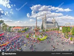 Lampion Festival Panorama s tiscovkami lid pochodoval v ulicch