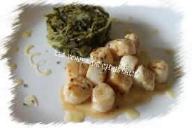 cuisiner noix de jacques surgel馥s noix de jacques sauce beurre blanc et fondue de poireaux les