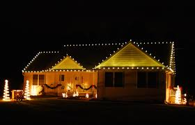 christmas light ideas for porch ranch house christmas lights ideas