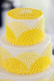 modele tort tort galben si alb