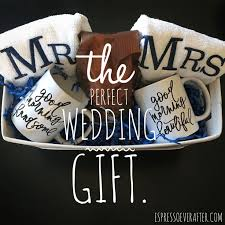 whats a wedding present best 25 wedding gift baskets ideas on bridal shower