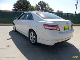 2011 toyota camry le review white 2011 toyota camry le review from back best car to buy