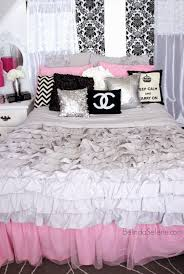 Black And White Bed Chic Pink White And Black Bedroom Chanel Themed Room Www