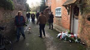 goring george michael george michael fans pay their respects outside his oxfordshire home