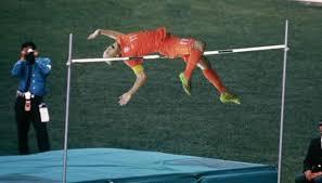 Robben Meme - robben saltando el alto mundialbrasil2014 brasil2014
