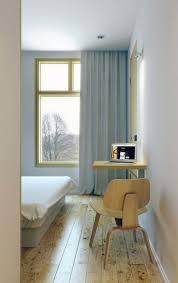 Designer Arbeitstisch Tolle Idee Platz Sparen Weiße Wände Und Holz Sowie Platzsparende Möbel Fürs Interieur