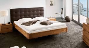 Schlafzimmer Braunes Bett Bett Schwebende Optik Aus Eiche Natur Behandelt Bett Panama