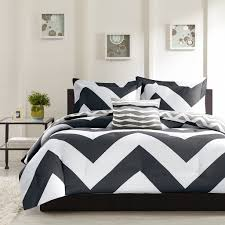 Amazon King Comforter Sets Amazon Com 4 Piece Plush Reversible Zig Zag Chevron Print