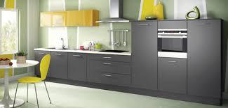 cuisine jaune et verte cuisine verte et grise cuisine grise et bois moyenne with cuisine