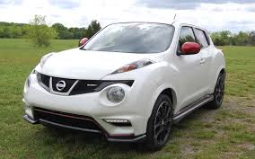 juke nismo lowered 2013 nissan juke nismo quick drive motor trend