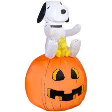 snoopy on pumpkin lighted halloween inflatable snoopn4pnuts com
