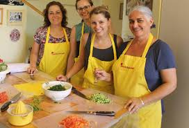 atelier cuisine tours orly ziv right with guests on cook in tour and workshop