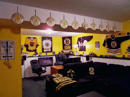 boston bruins bedroom bruins bedroom ideas bruins man cave i would so do this in the
