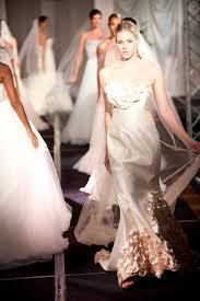 luxury bridal fashion shows fall 2010 bridal expo chicago