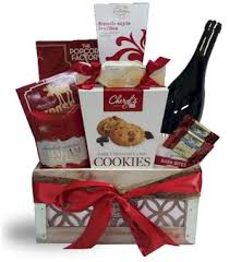 custom liquor gift baskets to buy online