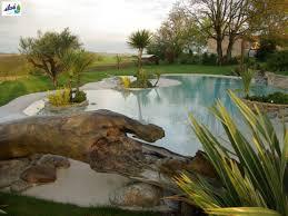 plage de piscine la plage de piscine une déco de jardin paradisiaque