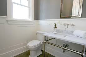 wainscoting bathroom ideas pictures best 25 wainscoting bathroom ideas on bathroom paint