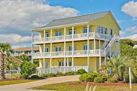 crystal coast vacation rentals that include a tub