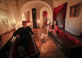 airbnb dracula romania 2 canadians to sleep in coffins at dracula u0027s castle