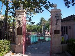 file coral gables fl venetian pool gate01 jpg wikimedia commons