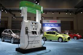 japanese vehicles toyota toyota to quadruple production of mirai fuel cell vehicles by 2017