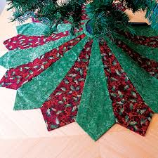 how to make a tree skirt sewing tutorials tree skirts and a project
