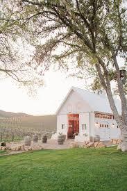 paso robles wedding venues hammersky vineyards barn wedding venue cozy a few hours